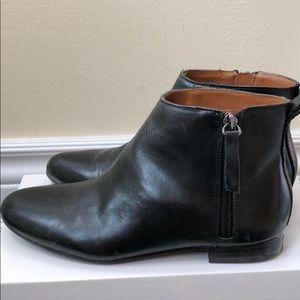 GAP Black Leather Chelsea Ankle Boots